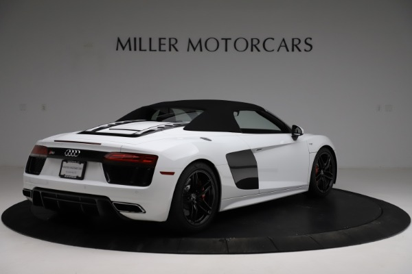 Used 2018 Audi R8 Spyder for sale $154,900 at Alfa Romeo of Greenwich in Greenwich CT 06830 17
