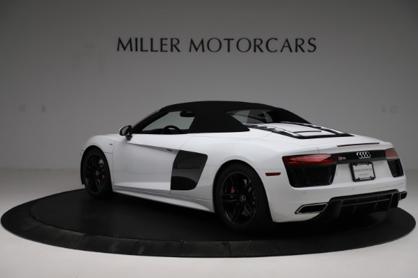 Used 2018 Audi R8 Spyder for sale $154,900 at Alfa Romeo of Greenwich in Greenwich CT 06830 18