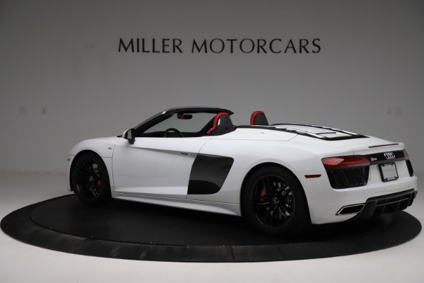 Used 2018 Audi R8 Spyder for sale $154,900 at Alfa Romeo of Greenwich in Greenwich CT 06830 4