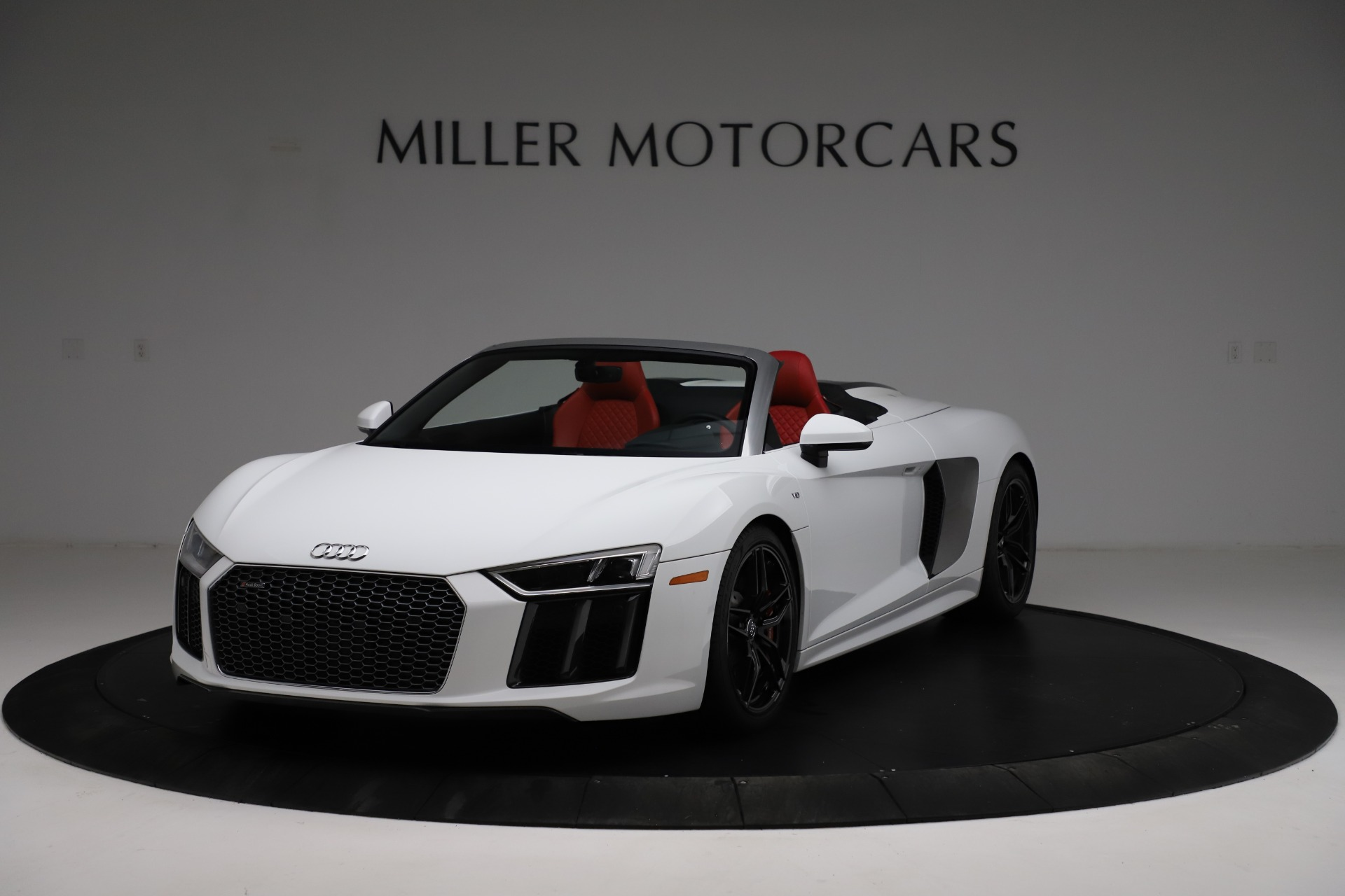 Used 2018 Audi R8 Spyder for sale $154,900 at Alfa Romeo of Greenwich in Greenwich CT 06830 1