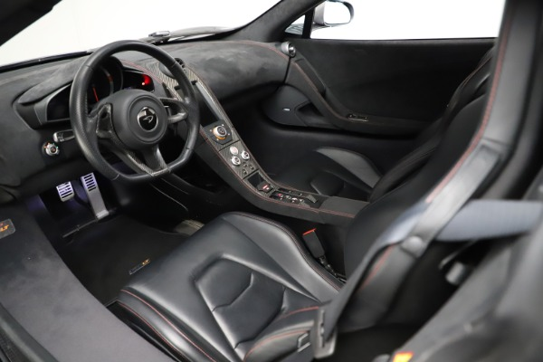 Used 2016 McLaren 675LT Spider for sale Call for price at Alfa Romeo of Greenwich in Greenwich CT 06830 22