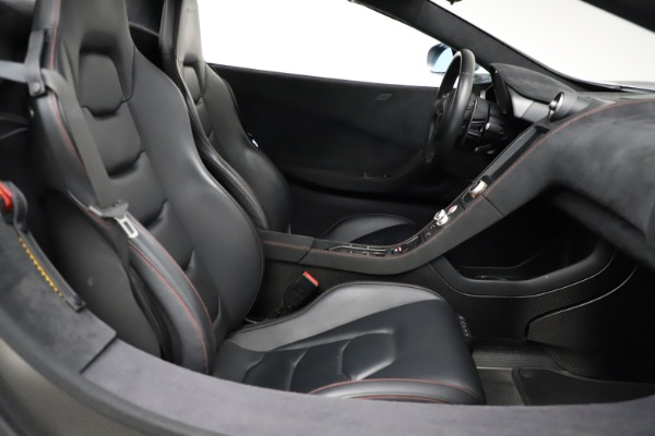 Used 2016 McLaren 675LT Spider for sale Call for price at Alfa Romeo of Greenwich in Greenwich CT 06830 26