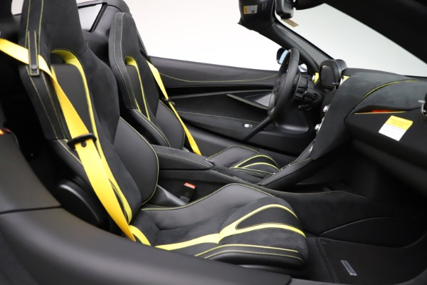 New 2021 McLaren 720S Spider for sale $351,450 at Alfa Romeo of Greenwich in Greenwich CT 06830 28