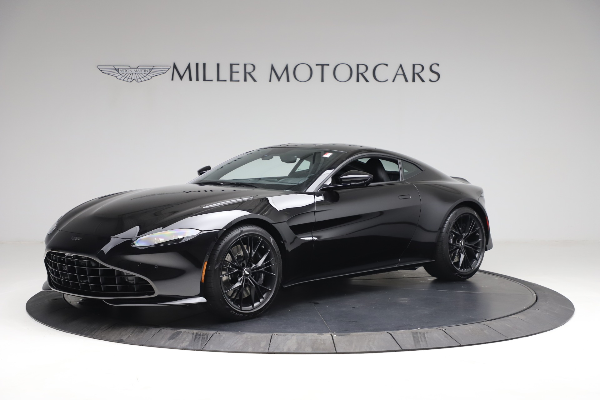 New 2021 Aston Martin Vantage for sale $178,986 at Alfa Romeo of Greenwich in Greenwich CT 06830 1