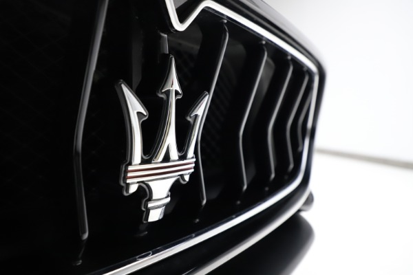 Used 2018 Maserati GranTurismo Sport for sale $99,900 at Alfa Romeo of Greenwich in Greenwich CT 06830 23