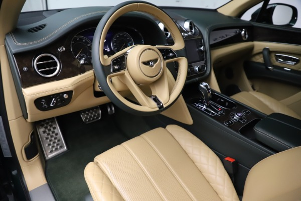 Used 2018 Bentley Bentayga W12 Signature for sale $159,900 at Alfa Romeo of Greenwich in Greenwich CT 06830 16