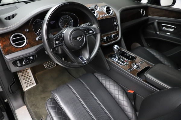 Used 2018 Bentley Bentayga W12 Signature for sale $159,900 at Alfa Romeo of Greenwich in Greenwich CT 06830 18