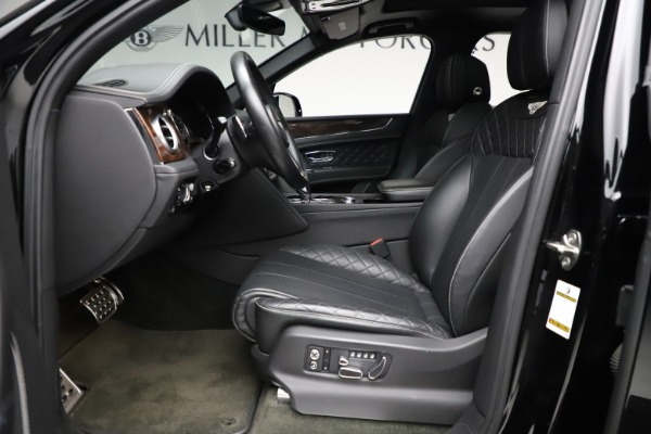 Used 2018 Bentley Bentayga W12 Signature for sale $159,900 at Alfa Romeo of Greenwich in Greenwich CT 06830 19