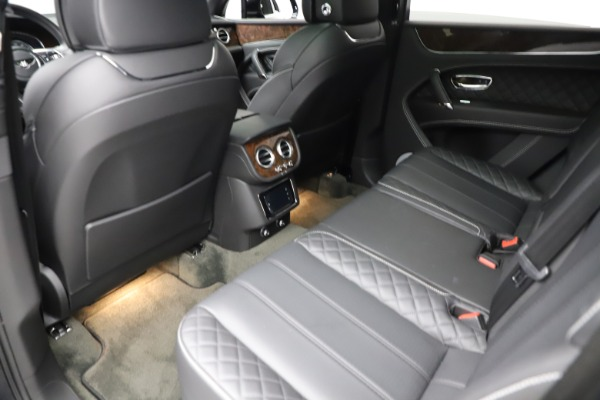Used 2018 Bentley Bentayga W12 Signature for sale $159,900 at Alfa Romeo of Greenwich in Greenwich CT 06830 22