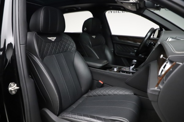 Used 2018 Bentley Bentayga W12 Signature for sale $159,900 at Alfa Romeo of Greenwich in Greenwich CT 06830 28