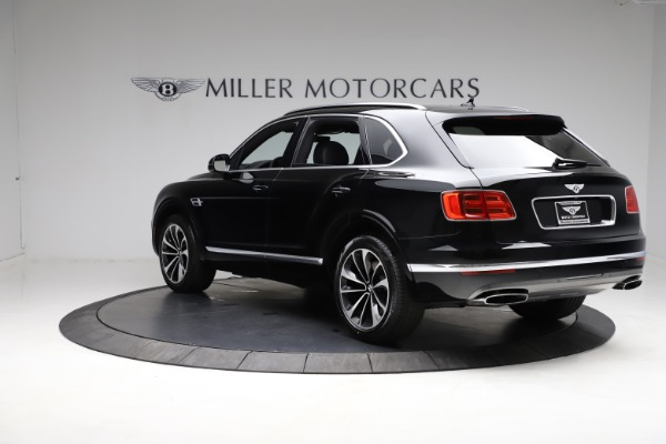 Used 2018 Bentley Bentayga W12 Signature for sale $159,900 at Alfa Romeo of Greenwich in Greenwich CT 06830 6