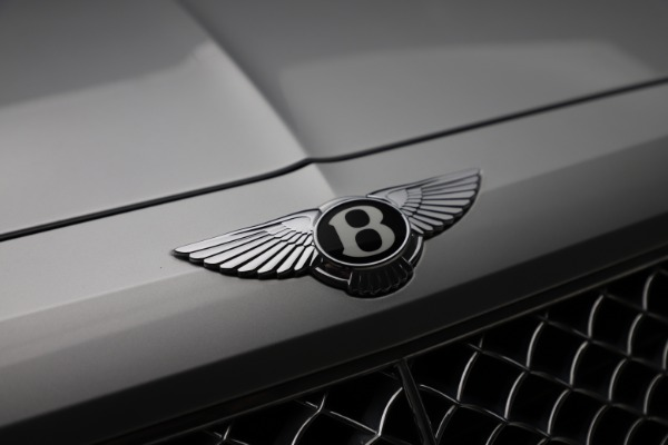 Used 2018 Bentley Bentayga Activity Edition for sale $152,900 at Alfa Romeo of Greenwich in Greenwich CT 06830 14