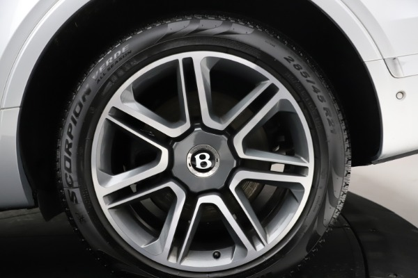 Used 2018 Bentley Bentayga Activity Edition for sale $152,900 at Alfa Romeo of Greenwich in Greenwich CT 06830 15