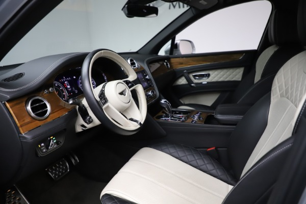 Used 2018 Bentley Bentayga Activity Edition for sale $152,900 at Alfa Romeo of Greenwich in Greenwich CT 06830 17