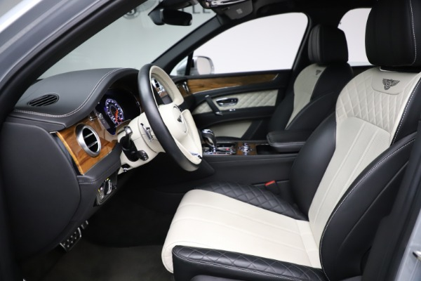 Used 2018 Bentley Bentayga Activity Edition for sale $152,900 at Alfa Romeo of Greenwich in Greenwich CT 06830 18