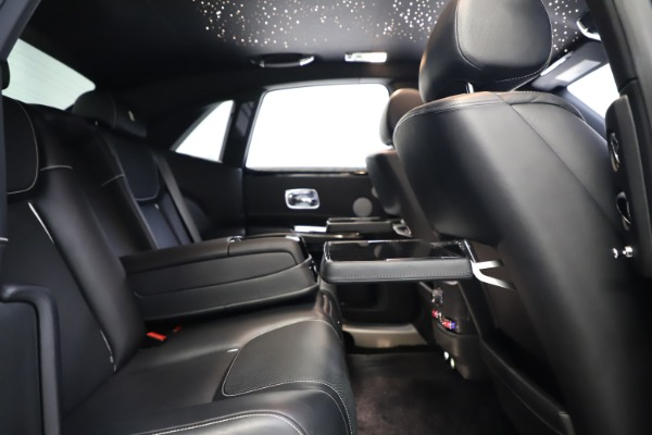 Used 2018 Rolls-Royce Ghost for sale $249,900 at Alfa Romeo of Greenwich in Greenwich CT 06830 24