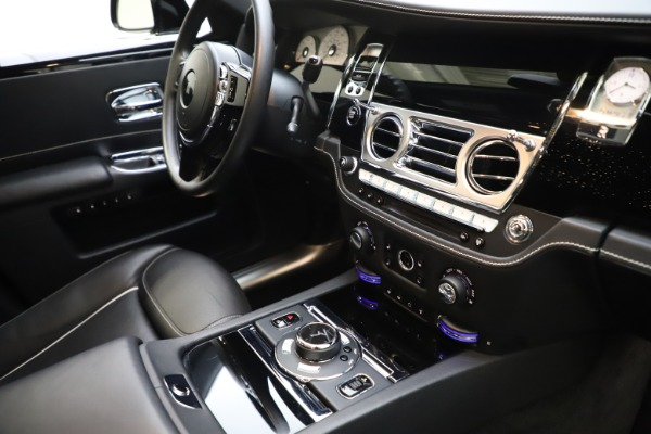 Used 2018 Rolls-Royce Ghost for sale $249,900 at Alfa Romeo of Greenwich in Greenwich CT 06830 26