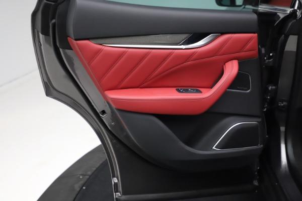 New 2021 Maserati Levante S Q4 GranLusso for sale $105,549 at Alfa Romeo of Greenwich in Greenwich CT 06830 19