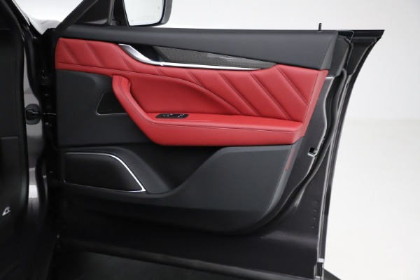New 2021 Maserati Levante S Q4 GranLusso for sale $105,549 at Alfa Romeo of Greenwich in Greenwich CT 06830 21