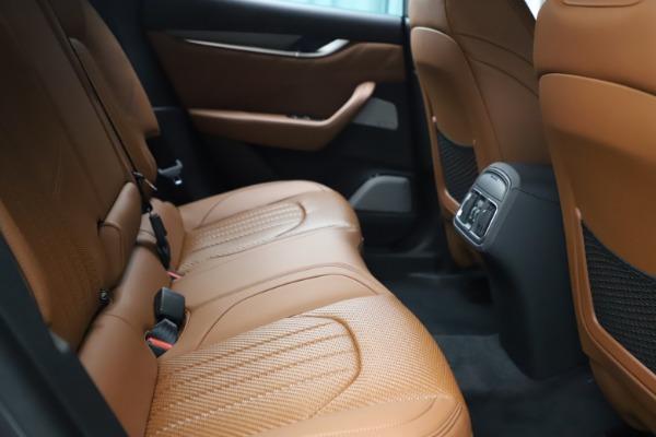 New 2021 Maserati Levante S Q4 GranSport for sale $114,485 at Alfa Romeo of Greenwich in Greenwich CT 06830 24