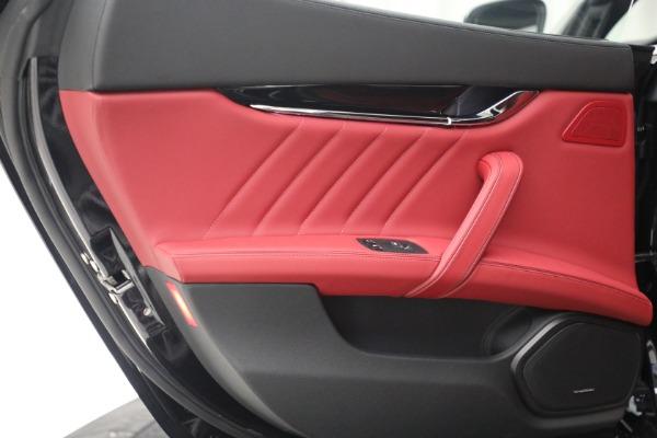 New 2021 Maserati Quattroporte S Q4 for sale $119,589 at Alfa Romeo of Greenwich in Greenwich CT 06830 26