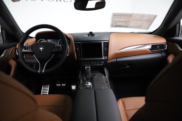 New 2021 Maserati Levante Q4 GranSport for sale $91,385 at Alfa Romeo of Greenwich in Greenwich CT 06830 17