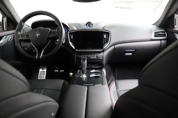 New 2021 Maserati Ghibli S Q4 GranSport for sale $100,635 at Alfa Romeo of Greenwich in Greenwich CT 06830 18