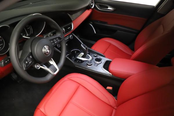 New 2021 Alfa Romeo Giulia Q4 for sale $48,535 at Alfa Romeo of Greenwich in Greenwich CT 06830 13