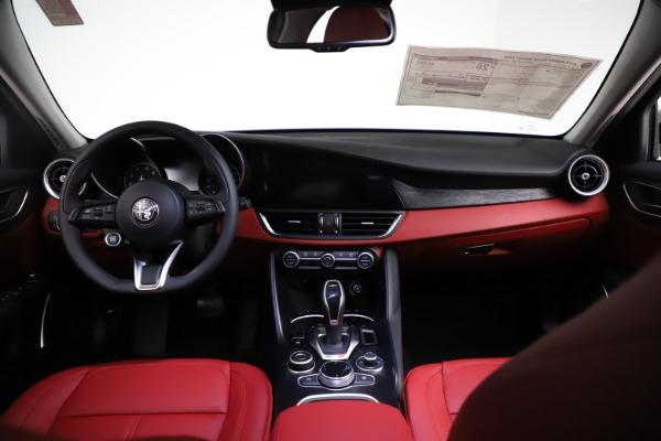 New 2021 Alfa Romeo Giulia Q4 for sale $48,535 at Alfa Romeo of Greenwich in Greenwich CT 06830 16