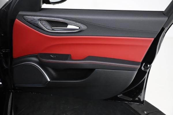 New 2021 Alfa Romeo Giulia Q4 for sale $48,535 at Alfa Romeo of Greenwich in Greenwich CT 06830 24