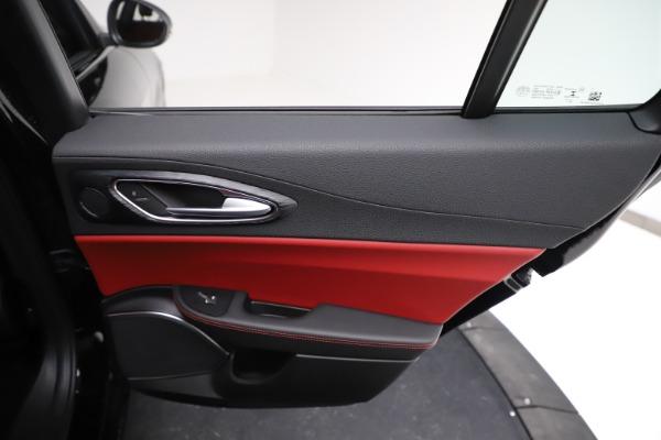 New 2021 Alfa Romeo Giulia Q4 for sale $48,535 at Alfa Romeo of Greenwich in Greenwich CT 06830 27