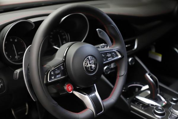 New 2021 Alfa Romeo Giulia Quadrifoglio for sale $83,740 at Alfa Romeo of Greenwich in Greenwich CT 06830 25