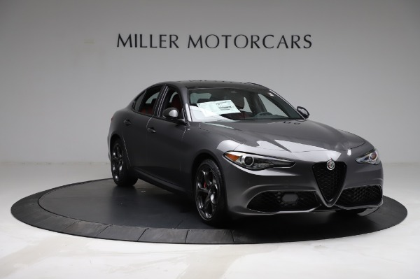 New 2021 Alfa Romeo Giulia Ti Sport for sale $54,050 at Alfa Romeo of Greenwich in Greenwich CT 06830 10