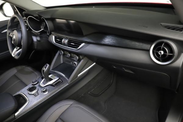 New 2021 Alfa Romeo Stelvio Sprint for sale $50,535 at Alfa Romeo of Greenwich in Greenwich CT 06830 21