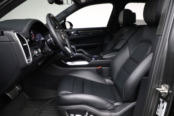 Used 2020 Porsche Cayenne Turbo for sale $145,900 at Alfa Romeo of Greenwich in Greenwich CT 06830 19