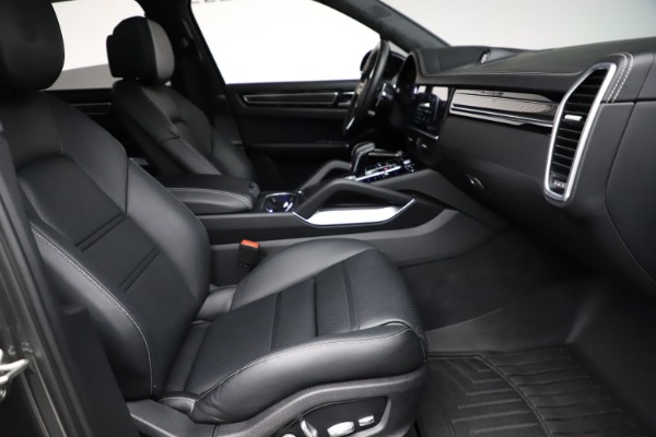 Used 2020 Porsche Cayenne Turbo for sale $145,900 at Alfa Romeo of Greenwich in Greenwich CT 06830 23