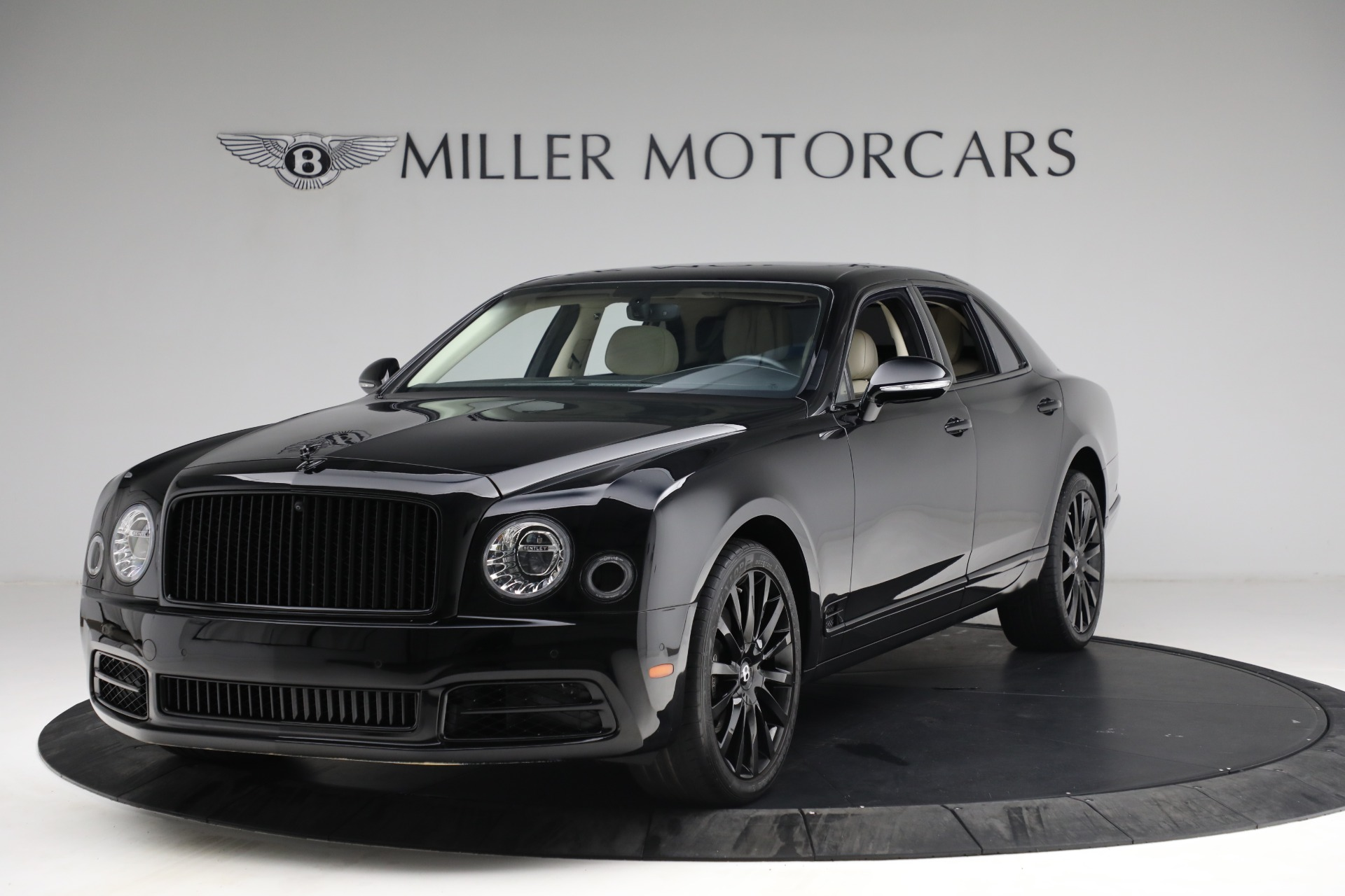 Used 2017 Bentley Mulsanne for sale $214,900 at Alfa Romeo of Greenwich in Greenwich CT 06830 1