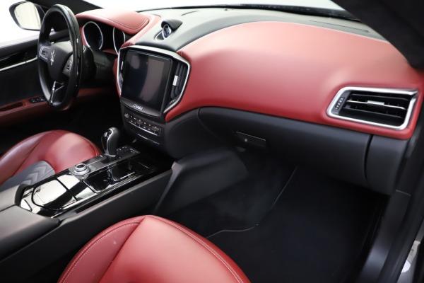 Used 2018 Maserati Ghibli SQ4 GranLusso for sale $55,900 at Alfa Romeo of Greenwich in Greenwich CT 06830 16