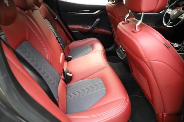 Used 2018 Maserati Ghibli SQ4 GranLusso for sale $55,900 at Alfa Romeo of Greenwich in Greenwich CT 06830 20