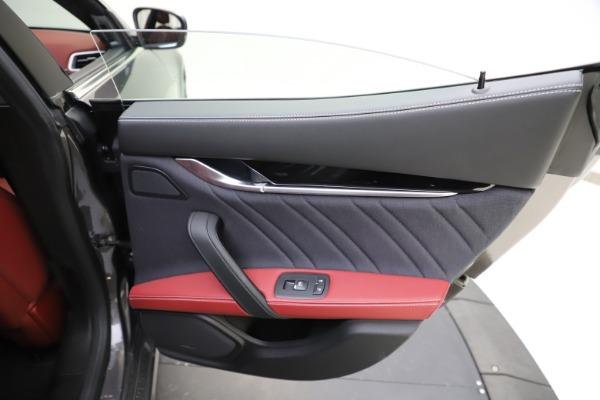 Used 2018 Maserati Ghibli SQ4 GranLusso for sale $55,900 at Alfa Romeo of Greenwich in Greenwich CT 06830 21