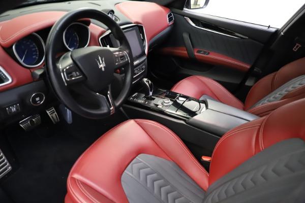 Used 2018 Maserati Ghibli SQ4 GranLusso for sale $55,900 at Alfa Romeo of Greenwich in Greenwich CT 06830 8