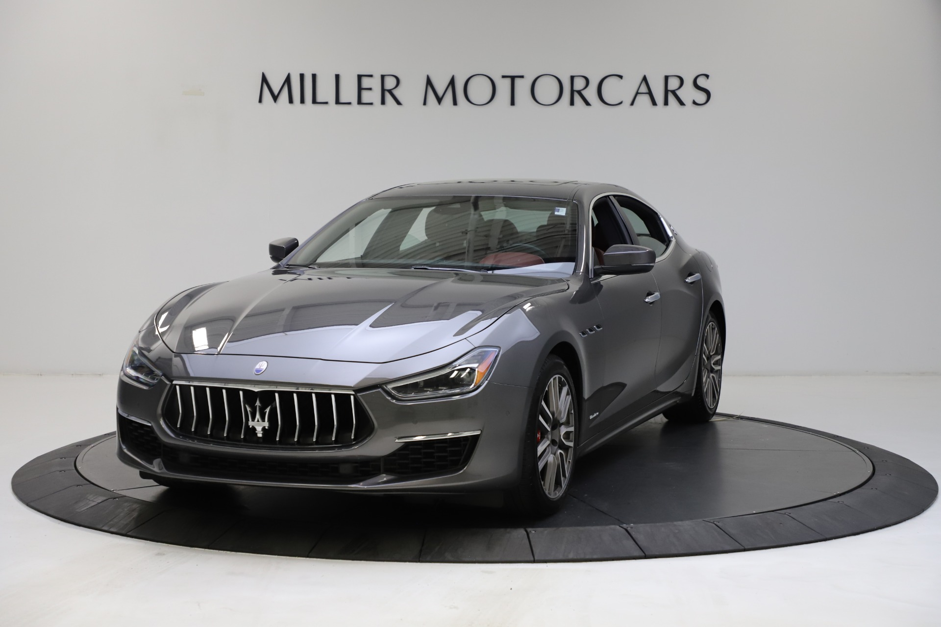Used 2018 Maserati Ghibli SQ4 GranLusso for sale $55,900 at Alfa Romeo of Greenwich in Greenwich CT 06830 1