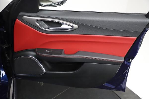 New 2021 Alfa Romeo Giulia Ti Sport for sale $54,050 at Alfa Romeo of Greenwich in Greenwich CT 06830 21