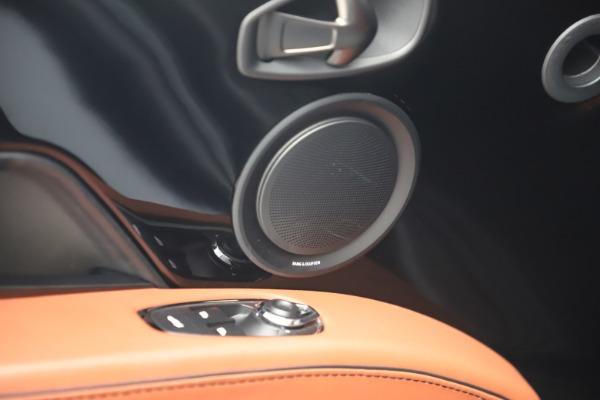 Used 2019 Aston Martin DBS Superleggera for sale $279,990 at Alfa Romeo of Greenwich in Greenwich CT 06830 17