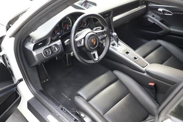 Used 2018 Porsche 911 Turbo for sale $159,990 at Alfa Romeo of Greenwich in Greenwich CT 06830 17
