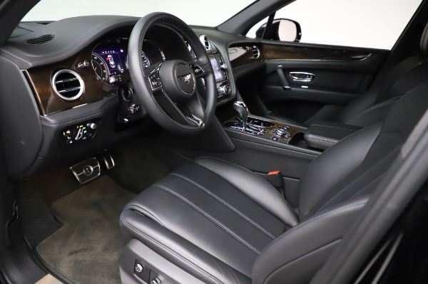 Used 2018 Bentley Bentayga Onyx Edition for sale $149,900 at Alfa Romeo of Greenwich in Greenwich CT 06830 17