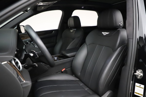 Used 2018 Bentley Bentayga Onyx Edition for sale $149,900 at Alfa Romeo of Greenwich in Greenwich CT 06830 19