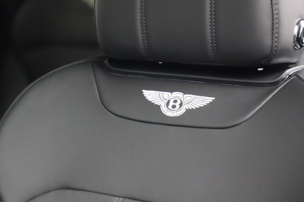 Used 2018 Bentley Bentayga Onyx Edition for sale $149,900 at Alfa Romeo of Greenwich in Greenwich CT 06830 20