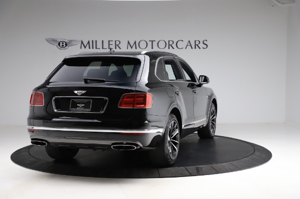 Used 2018 Bentley Bentayga Onyx Edition for sale $149,900 at Alfa Romeo of Greenwich in Greenwich CT 06830 7