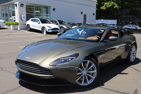 Used 2018 Aston Martin DB11 V8 for sale $151,900 at Alfa Romeo of Greenwich in Greenwich CT 06830 24